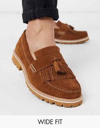 Ben Sherman wide fit suede tassle loafer in tan