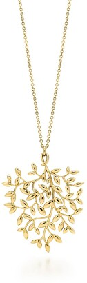 Tiffany & Co. Paloma Picasso Olive Leaf pendant in 18k gold, large