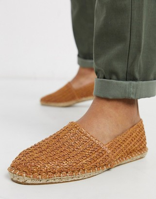 ASOS DESIGN espadrilles in tan basket weave