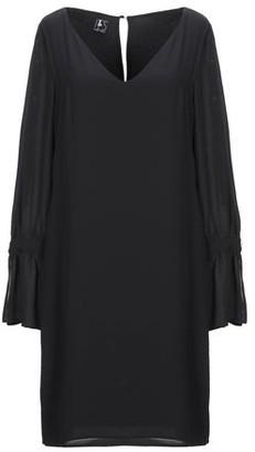 IT'S A PARTY DRESS Short dress