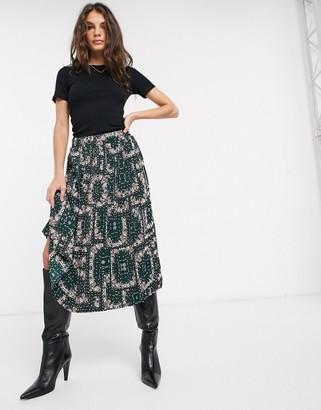 Vila midi skirt in green paisley