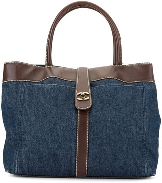 Chanel Pre-Owned 01's denim hand bag
