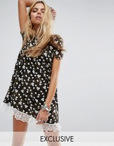 Reclaimed Vintage Inspired Smock Dress In Bleached Daisy Print