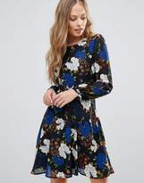Yumi Long Sleeve Dress In Wild Floral