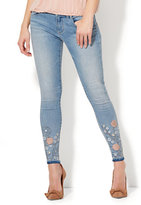 New York & Co. Soho Jeans - Embroidered Ankle Legging - Blue Wind Wash
