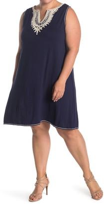 Max Studio Split Neck Sleeveless Shift Dress (Plus Size)