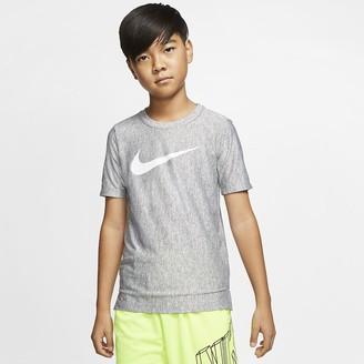 Nike Boys' Short-Sleeve Training Top Dri-FIT