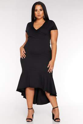 Quiz Curve Black Cap Sleeve Wrap Fishtail Midi Dress