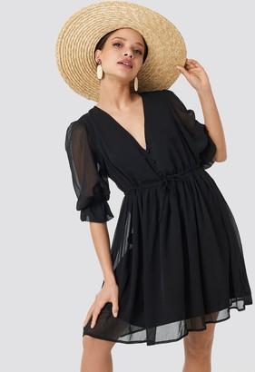 NA-KD Plunge V-Neck Chiffon Dress Black