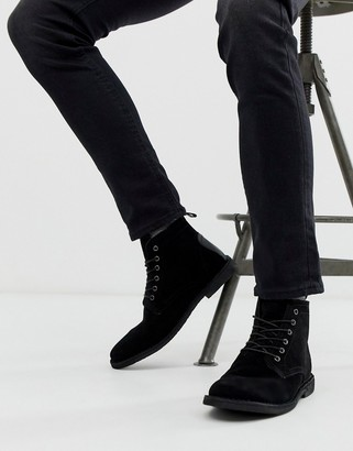 Asos Design DESIGN Desert boots in black suede with leather detail