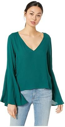 BB Dakota Talk To The Sleeve Rayon Crepe Bell Sleeve Top (Hunter Green) Women's Clothing