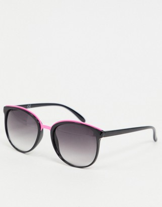Jeepers Peepers oversized sunglasses with pink detail