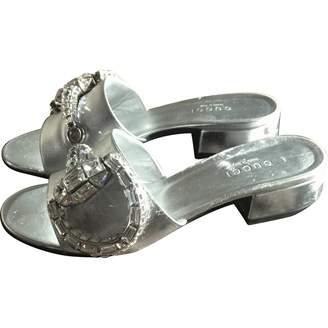 Gucci \N Silver Leather Mules & Clogs