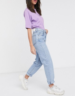 Weekday Lash organic cotton mom jean in summer blue wash