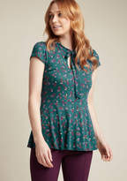 Feeling Feminine Knit Top in Teal Floral in M - Short Sleeve Regular Waist by ModCloth