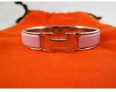 Hermes very good (VG Pink Enamel Palladium Clic Clac H Bangle Bracelet
