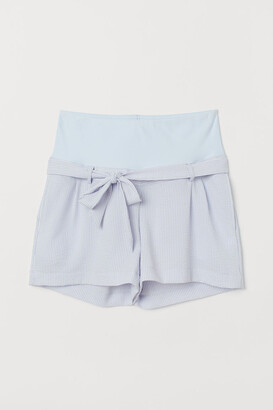 H&M MAMA Seersucker shorts