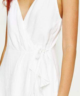 Alice In The Eve LUELLA TEXTURED FRILL DRESS WHITE