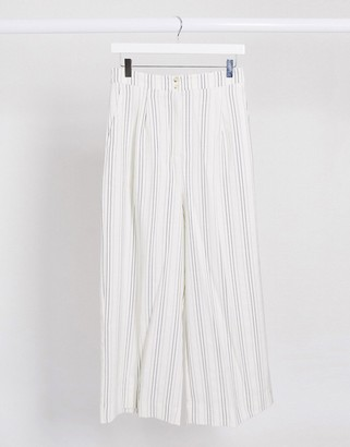 New Look cropped linen pants in white stripe