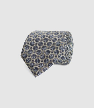 Reiss WALKER GEOMETRIC MEDALLION PRINT TIE Champagne