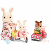 International Playthings Calico Critters of Cloverleaf Corners Apple and Jake's Ride 'n Play