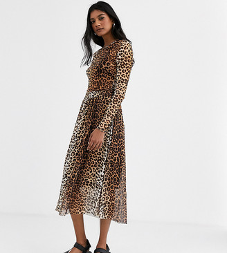 Soaked In Luxury leopard print skirt