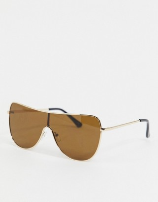 Jeepers Peepers gold frame sunglasses