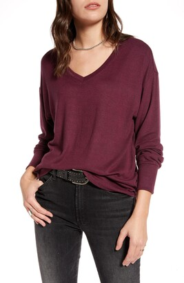 Treasure & Bond Cozy V-Neck Sweater
