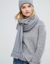 Tommy Hilfiger Gray Knitted Scarf and Beanie Gift Set