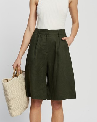 AERE - Women's Green High-Waisted - Linen Bermuda Shorts - Size 6 at The Iconic
