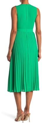 Donna Morgan Sleeveless Pleated Midi Dress