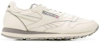 Reebok classic 1983 TV sneakers