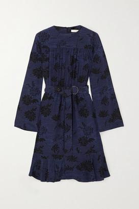 Chloé Belted Floral-print Silk Crepe De Chine Dress - Navy