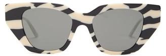 Gucci Cat-eye Zebra-effect Acetate Sunglasses - Womens - Black Grey