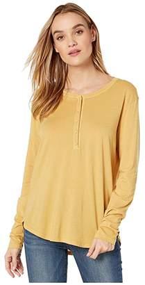 Michael Stars Jayla Ultra Jersey Shirttail Henley Tee (Ochre) Women's Clothing