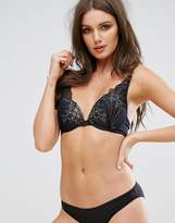 Wonderbra Refined Glamour High Apex Bra A - G Cup