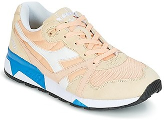 Diadora N9000 III women's Shoes (Trainers) in Beige