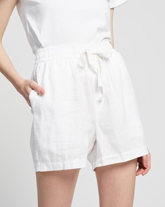 Assembly Label - Women's White Shorts - Ease Linen Shorts - Size 6 at The Iconic