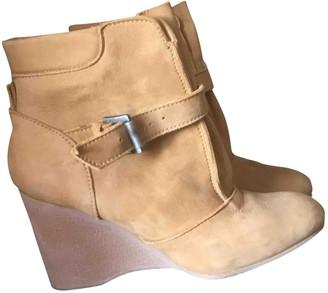 Vanessa Bruno Camel Suede Boots