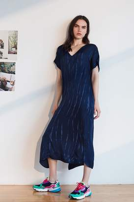 Velvet by Graham & Spencer Valerie Tie Dye Satin Kaftan Dress