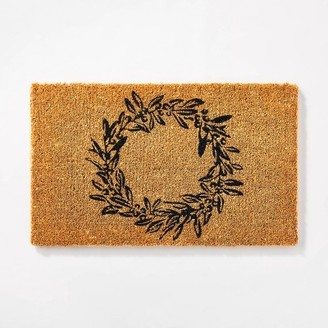 "1'6""x2'6"" Wreath Doormat Black - ThresholdTM designed by Studio McGee"