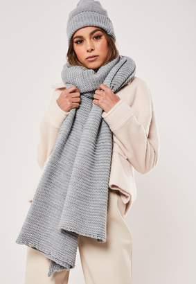 Missguided Grey Knitted Hat And Scarf Set