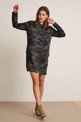 Velvet by Graham & Spencer BETSY CAMO FLEECE LONG SLEEVE CREW NECK DRESS
