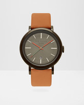 Etched detail leather watch
