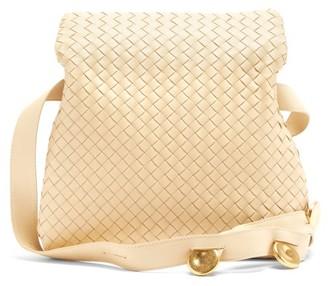 Bottega Veneta Fold Intrecciato-leather Messenger Bag - Cream