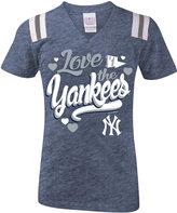 5th & Ocean Girls' New York Yankees Shoulder Stripe Glitter T-Shirt
