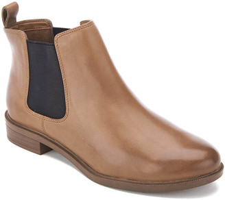 Clarks Women's Taylor Shine Leather Chelsea Boots