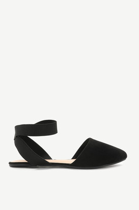 Ardene Crossed Strap Pointy Flats