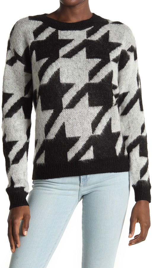 Love by Design Long Sleeve Hounds Tooth Crewneck Sweater