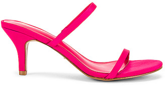 Raye Kick Heel